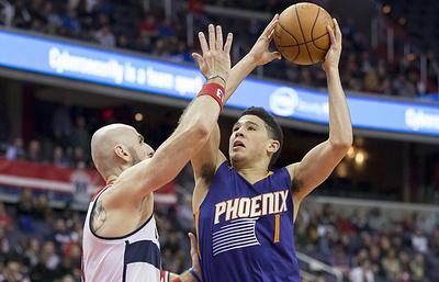 """Игрок """"Финикса"""" Букер набрал 70 очков в матче НБА против """"Бостона"""""""