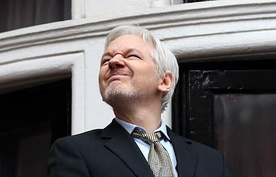 """Ассанж заявил, что не забудет и не простит семи лет """"заключения"""" в посольстве"""