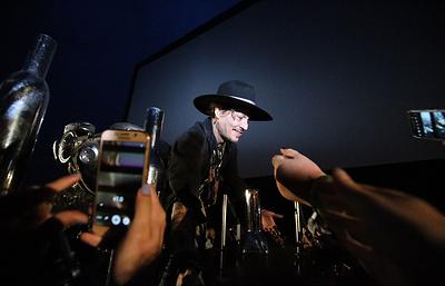 Джонни Депп пошутил, что появление Трампа на фестивале в Англии добром бы не кончилось