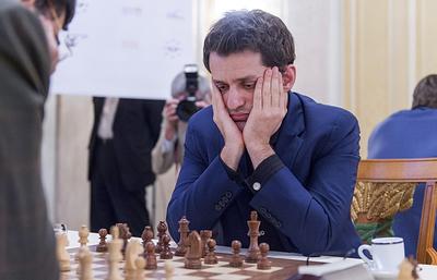 Аронян лидирует после первого круга блица на шахматном турнире в Сент-Луисе