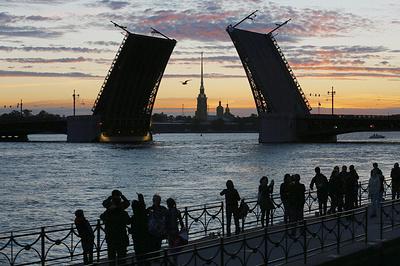 Абсолютные рекорды: как в Санкт-Петербурге собираются втрое увеличить турпоток