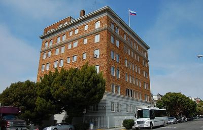 Пожарные из-за дыма от камина выезжали к генконсульству РФ в Сан-Франциско