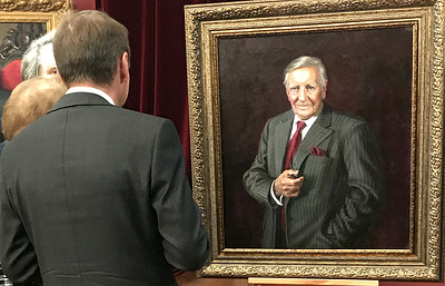 Портрет легенды отечественной разведки Кима Филби выставлен в галерее Шилова в Москве