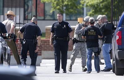 В результате стрельбы в бизнес-центре в США погибли три человека