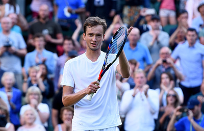 Российский теннисист Медведев вышел в полуфинал «ВТБ Кубка Кремля»