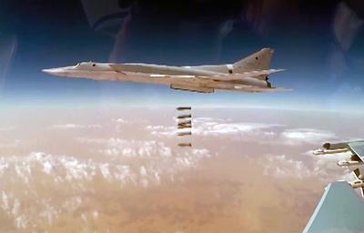 Шесть Ту-22М3 ВКС России нанесли удар по террористам ИГ в районе Бу-Кемаля