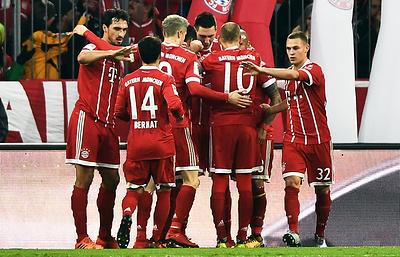 """""""Бавария"""" разгромила """"Аугсбург"""" и укрепила лидерство в чемпионате Германии"""