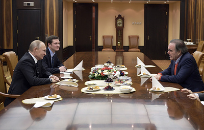 Путин принял в Кремле режиссера Стоуна