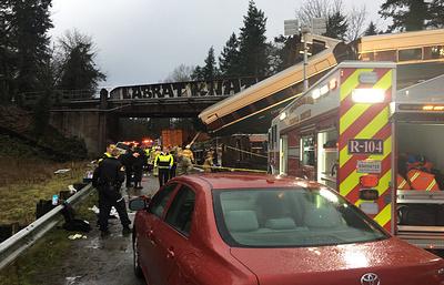 СМИ: в результате аварии поезда на западе США погибли не менее трех пассажиров