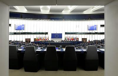 Reuters: Венгрия намерена выступить против решения ЕК по санкциям против Польши