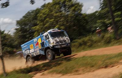 Экипаж Николаева победил на пятом этапе ралли-марафона «Дакар» в зачете грузовиков