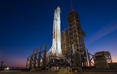 СМИ: испытания двигателей ракеты Falcon Heavy в США перенесены вторично