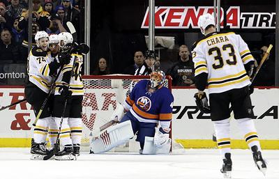 «Бостон» благодаря хет-трику Бержерона и 22 сэйвам Худобина победил «Айлендерс» в НХЛ