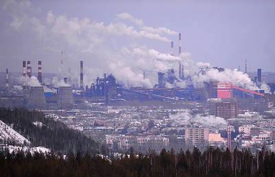 Завод на Урале, рабочие которого жаловались президенту, вновь задолжал сотрудникам