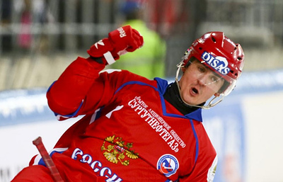 Сборная России вышла в полуфинал ЧМ по хоккею с мячом