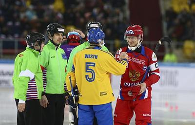 Сборная России по хоккею с мячом вернула титул чемпионов мира