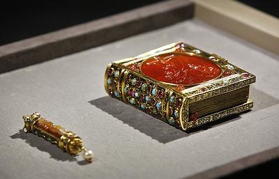 Figaro: Лувр завершает сбор €10 млн на приобретение часослова Франциска Первого