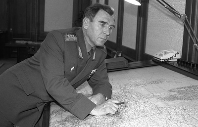 Михаил Моисеев — генерал, который вошел в штаб-квартиру НАТО по ковру из цветов