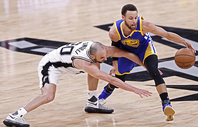 Баскетболист «Голден Стэйт» Карри получил травму в матче НБА с «Сан-Антонио»