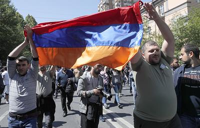 В движении Пашиняна заявили, что к ним присоединились оппозиционные партии Армении