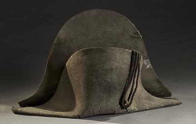 Треуголка Наполеона продана с аукциона во Франции за €350 тыс.