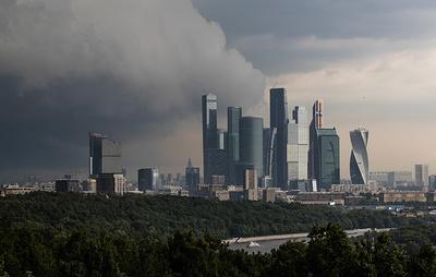 Сильный дождь ожидается в Москве в ночь на пятницу