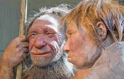 Археологи нашли на Алтае кусок горного хрусталя, который неандертальцы считали украшением