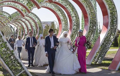 Двести пар поженятся в начале октября на 200-летие Грозного