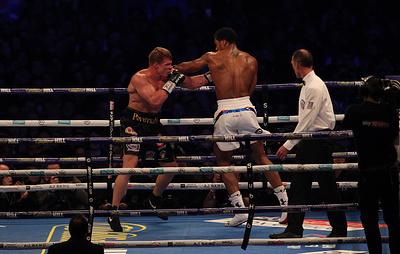 Усик назвал потрясающим боксерский бой Поветкина с Джошуа