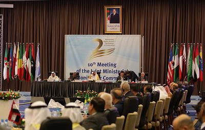 Страны ОПЕК+ на встрече министров в Алжире развернулись от роста добычи к сокращению