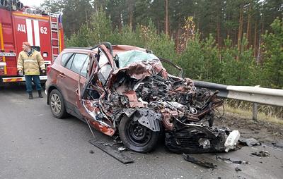 На Урале три человека погибли в ДТП с грузовиком и легковым автомобилем