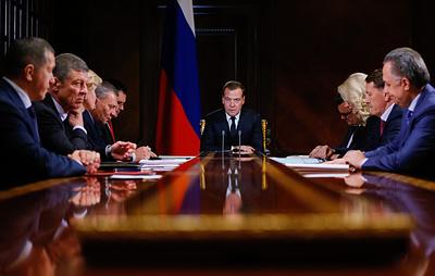 Медведев отметил проблемы с безопасностью в организации летнего отдыха детей
