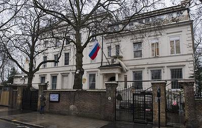 """Посольство РФ """"рекомендовало"""" Лондону защититься от влияния мультсериала """"Маша и Медведь"""""""