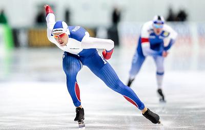 Конькобежец Кулижников выиграл третье золото на этапе Кубка мира в Польше