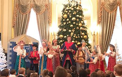 Новогодний мюзикл для детей прошел в Генконсульстве РФ в Нью-Йорке