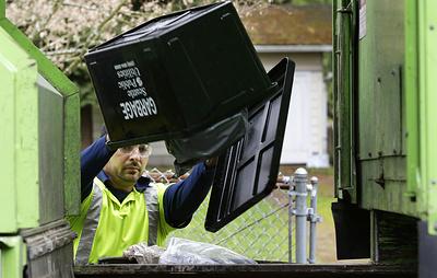 Англичан могут обязать использовать контейнеры для пищевых отходов