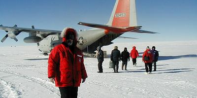 Жизнь во льдах. Иван Фролов в 70 лет снова собирается в научную экспедицию в Арктику