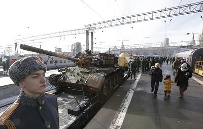 Поезд с трофейным оружием сирийских боевиков отправился по городам России