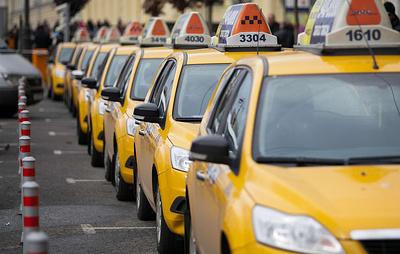 ВЦИОМ: почти 80% россиян считают такси безопасным видом транспорта