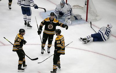 """Бостон"" сравнял счет в серии плей-офф НХЛ с ""Торонто"""