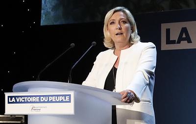 """""""Нацобъединение"""" Ле Пен и """"Республика на марше"""" доминируют на евровыборах во Франции"""