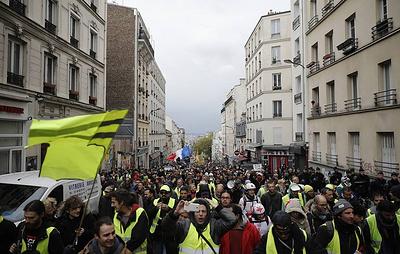 """Власти столицы и регионов Франции закрыли исторические кварталы для """"желтых жилетов"""""""