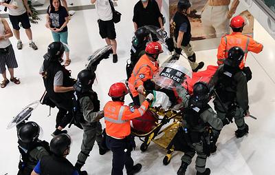 В Гонконге 28 человек были ранены в стычках между демонстрантами и полицией