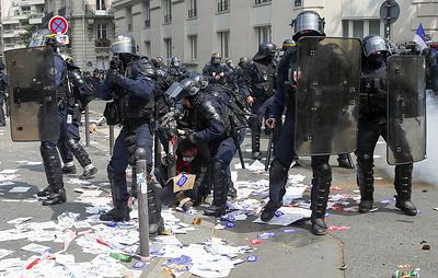Как законодательство разных стран регулирует проведение митингов и демонстраций