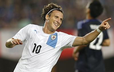 Бывший футболист сборной Уругвая Форлан объявил о завершении карьеры