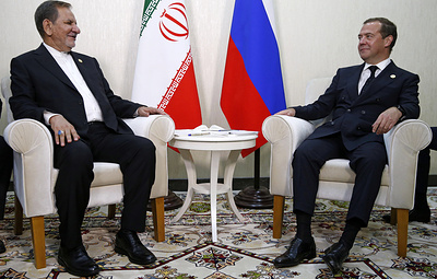 Медведев и первый вице-президент Ирана обсуждают сотрудничество в условиях санкций