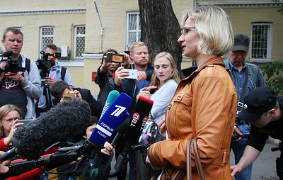 Суд не стал рассматривать административное дело пострадавшей от действий полиции девушки