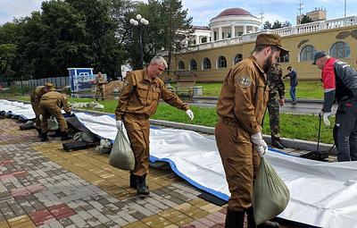 Водоналивную дамбу разворачивают в Хабаровске для защиты набережной
