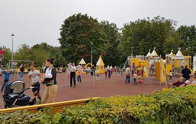 В Петербурге благоустроили Пионерский парк площадью в 10 га