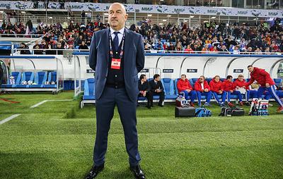 Черчесов: тренерский штаб рассматривает большой круг кандидатов в сборную